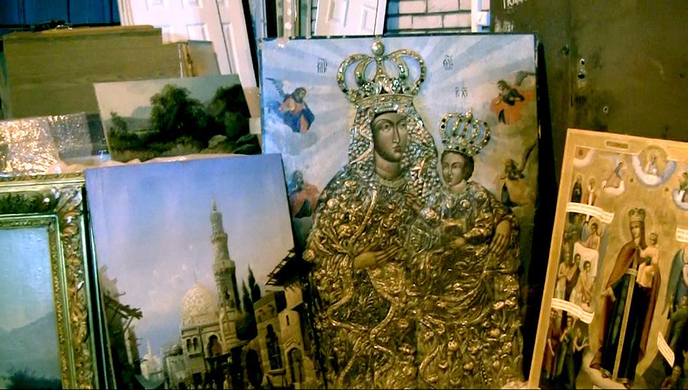 Конфискованная коллекция Жанны Буллок передана в музеи